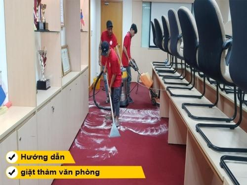 Hướng dẫn cách giặt thảm văn phòng
